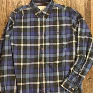 Men's flannel size medium